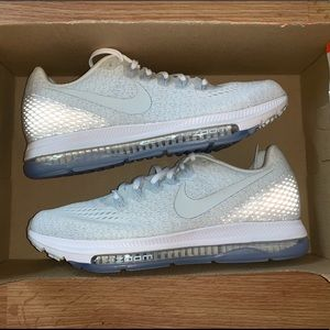 New Nike Air Zoom White Silver Womens 7.5 Running
